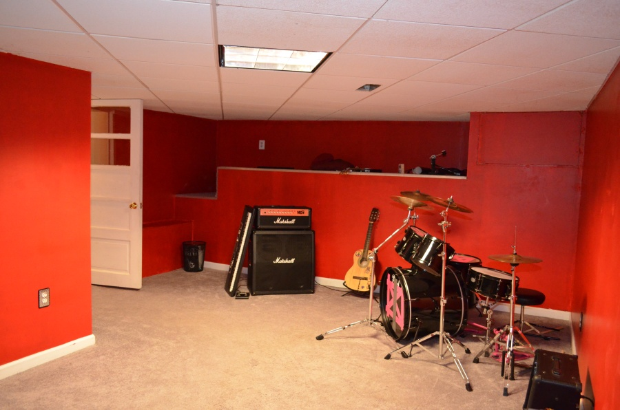 Basement recreation room.